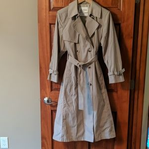 🍁FALLing PRICES! CLASSIC London Fog trench!